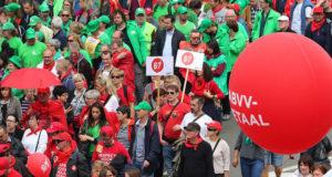 Belgische premier moet gas terugnemen na massale pensioenbetoging