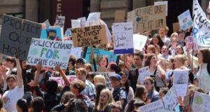Australische scholieren en studenten staken voor maatregelen tegen klimaatverandering