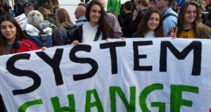 Klimaatmars Rotterdam groot succes! Nu opbouwen voor Global Earth Strike op 27 september!