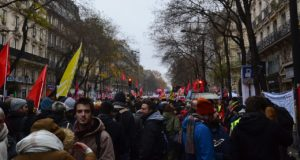 Frankrijk: bouw de stakingsbeweging tegen de regering verder op!