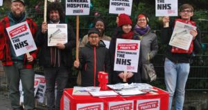 Revolte van Brits personeel doet scholen sluiten tot februari